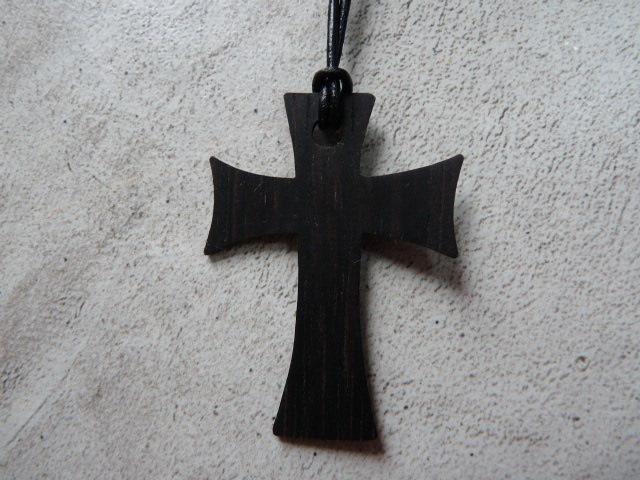 Collier Croix en ébène - vue 2