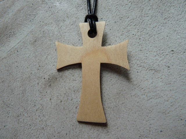 Collier Croix en érable - vue 2
