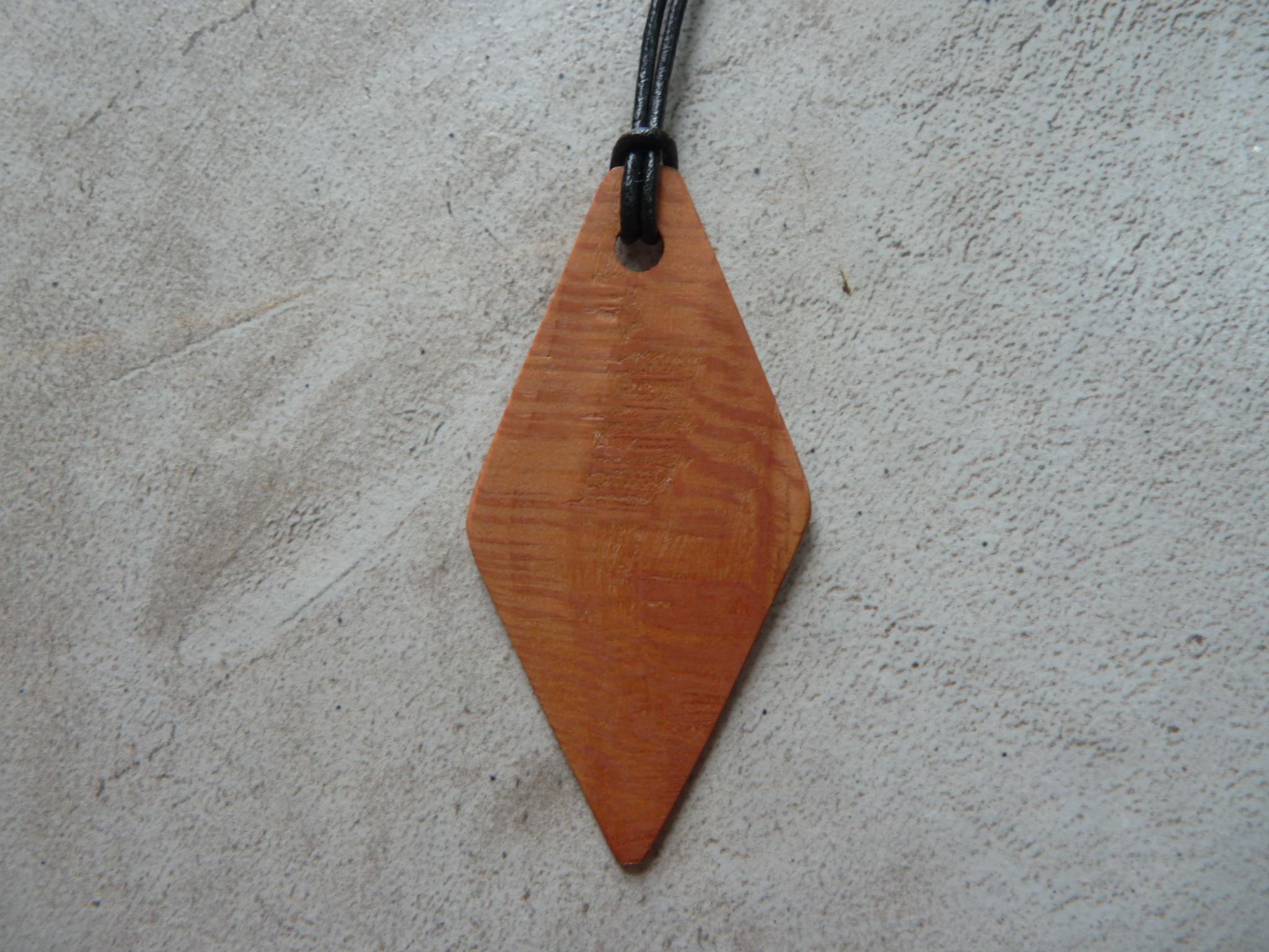 Collier losange en platane - vue 1