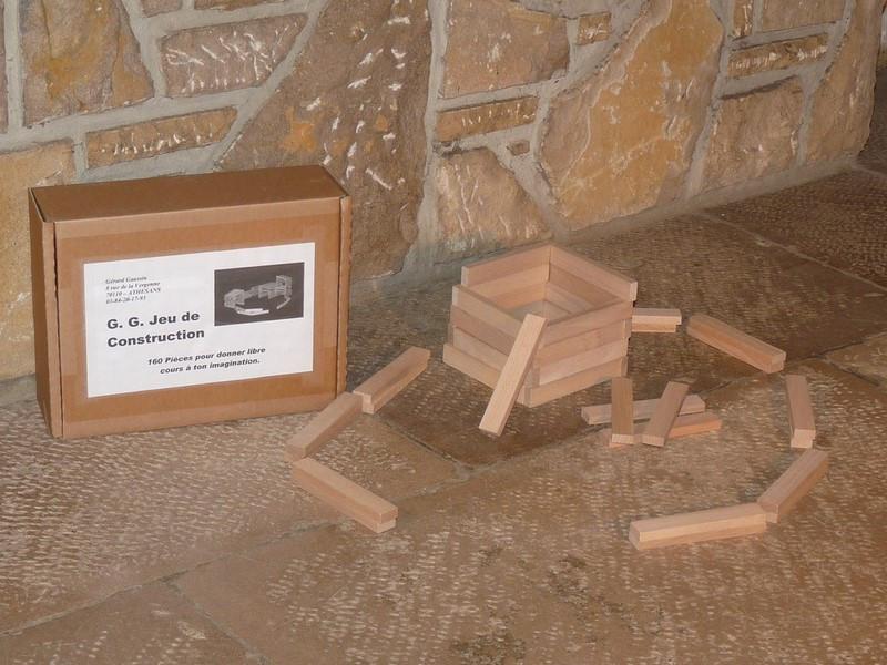 Jeu de construction en bois - vue 1