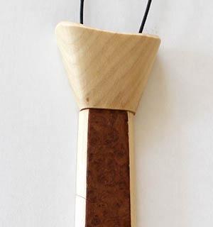 Cravate en bois plaquée de loupe de Tuya