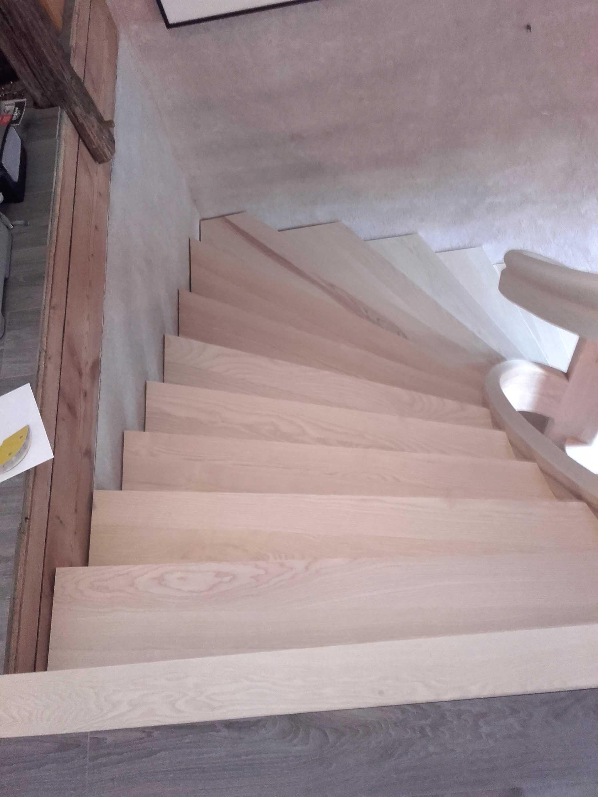 Escalier en lamellé collé - vue 4