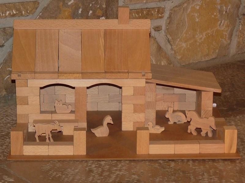 Petite ferme en bois - vue 1