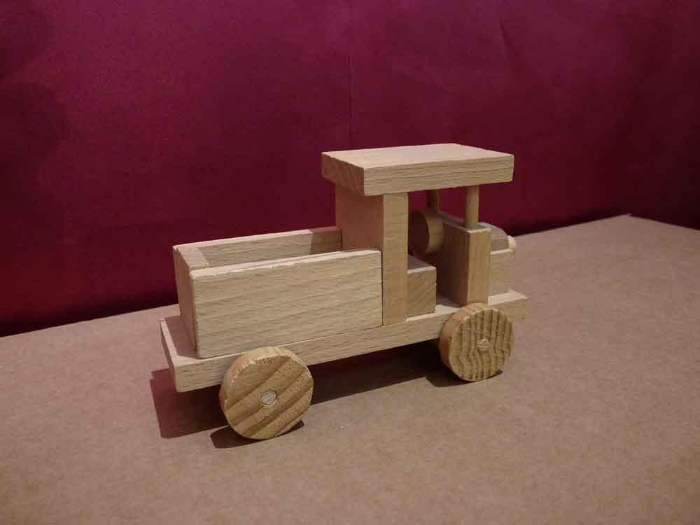 Petit camion en bois - vue 3