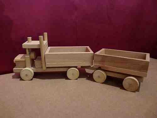 Camion en bois avec remorque - vue 2