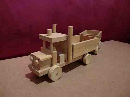 Camion en bois avec remorque - vue 3