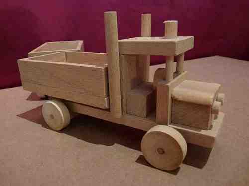 Camion en bois avec remorque - vue 4
