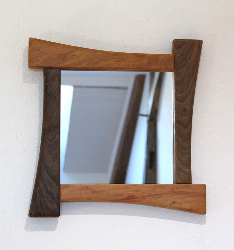 Miroir en Noyer et en Poirier - vue 1