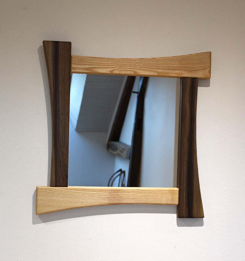 Miroir carré design en Frêne & Noyer - vue 1