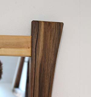 Miroir carré design en Merisier & Noyer - vue 3
