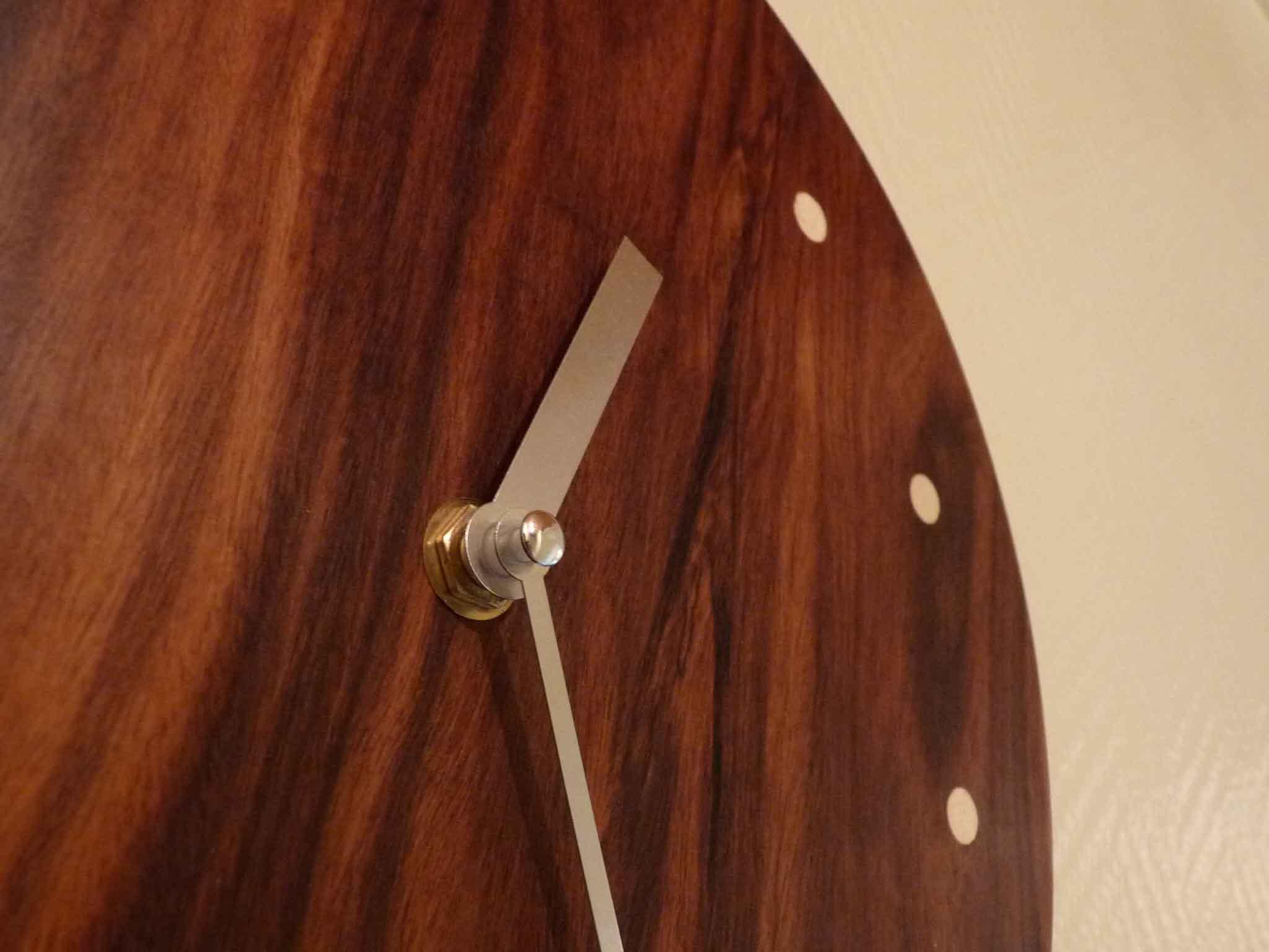 Pendule ronde en palissandre - vue 1