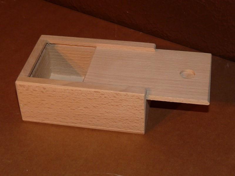 plumier boite belote. Black Bedroom Furniture Sets. Home Design Ideas