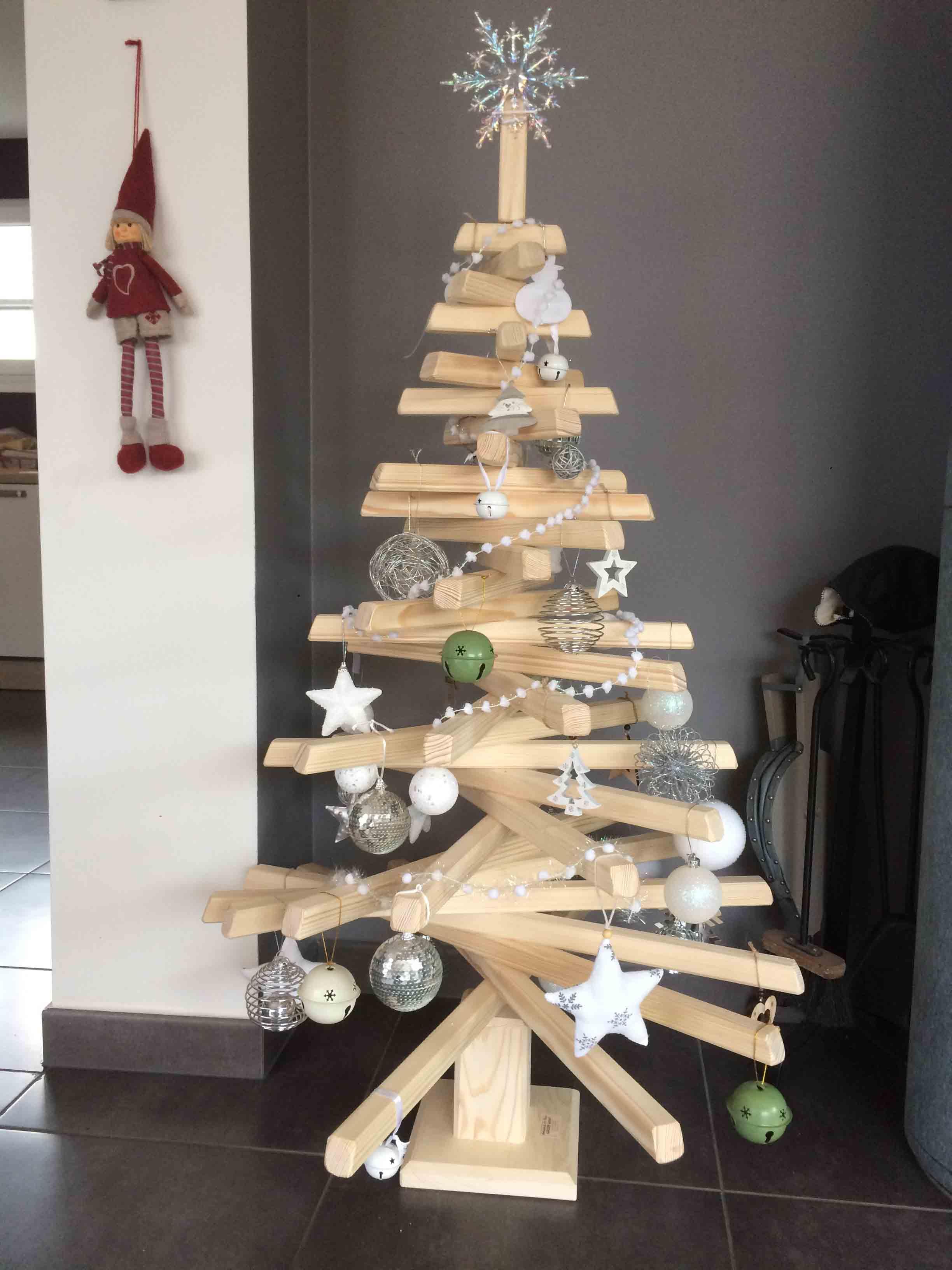 Grand sapin de Noël SUISSE - vue 3