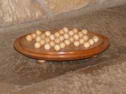 Solitaire circulaire avec billes en bois